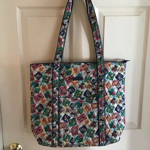 Vera Bradley tote in Cuban Stamps Pattern. NWT.
